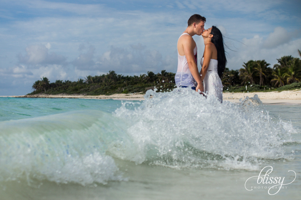 couple-portrait-beach-riviera-maya-lorena-1
