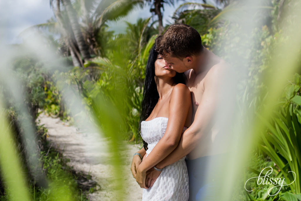 couple-portrait-beach-riviera-maya-lorena-5