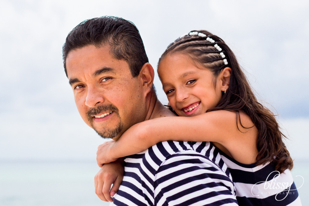 family-portrait-beach-playa-del-carmen-veronica-4