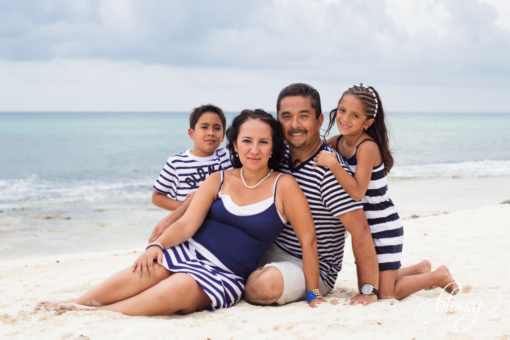 family-portrait-beach-playa-del-carmen-veronica-5