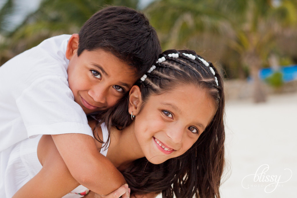 family-portrait-beach-playa-del-carmen-veronica-9