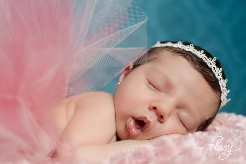 newborn-photography-leonora-2