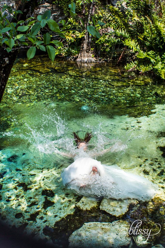 trash-the-dress-underwater-riviera-maya-gaby-25