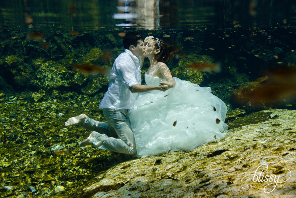 trash-the-dress-underwater-riviera-maya-gaby-27