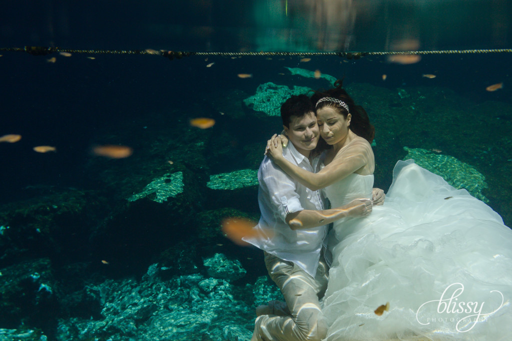 trash-the-dress-underwater-riviera-maya-gaby-29