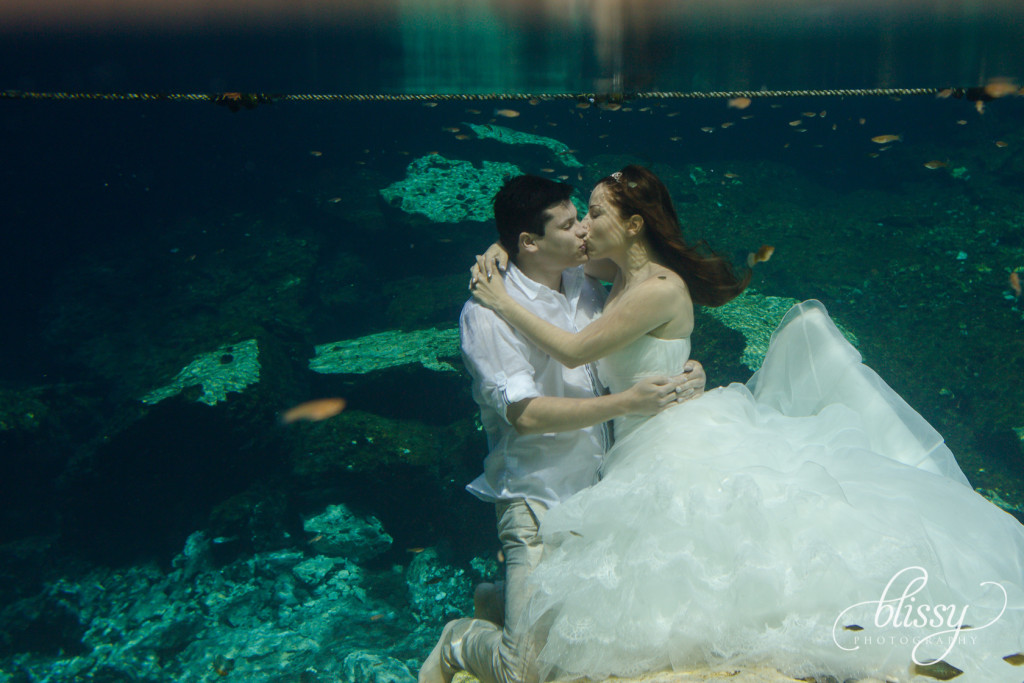 trash-the-dress-underwater-riviera-maya-gaby-30